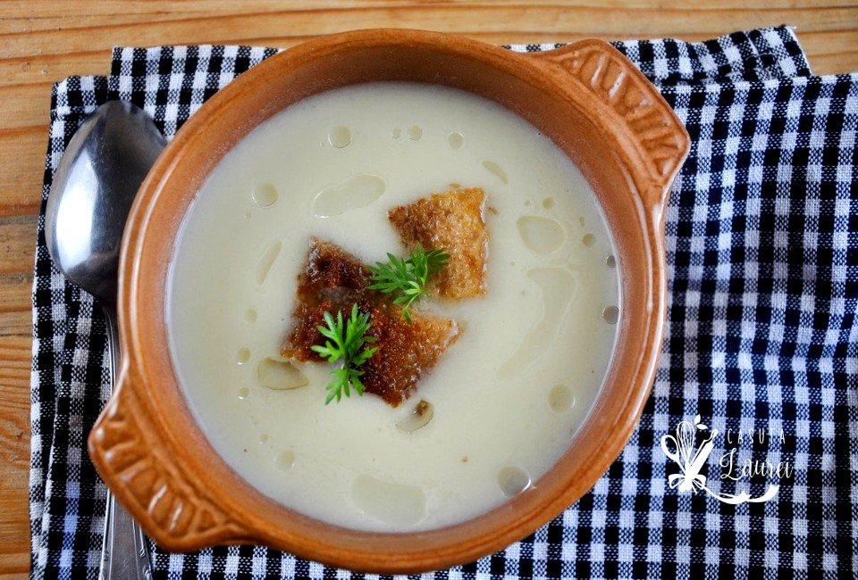 supa crema de gulii cu crutoane