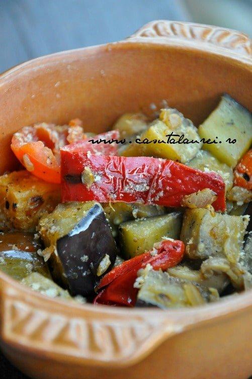 Ratatouille in stil clasic, tocana de legume