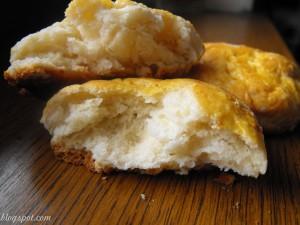 Scones – painici pufoase pentru dimineti voioase