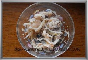 Salata de peste afumat cu ceapa