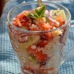Salata de quinoa cu rosii si castraveti