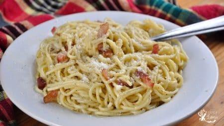 spaghete carbonara facute cu ou